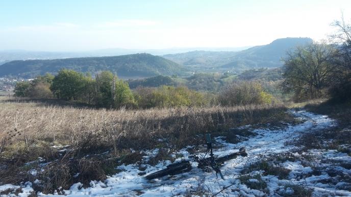 Neve a sprazzi sui campi sopra a Cornacchiano