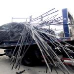 Auto con barre di acciaio – Esterno 2
