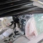 Auto con barre di acciaio – Interno